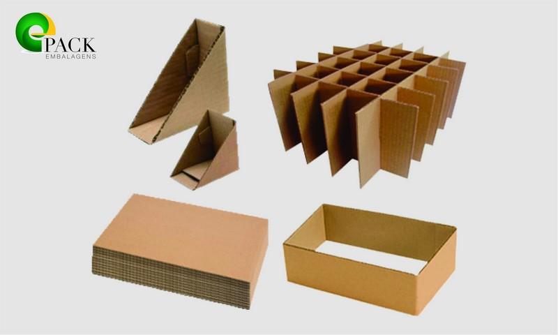 Acessórios de papelão